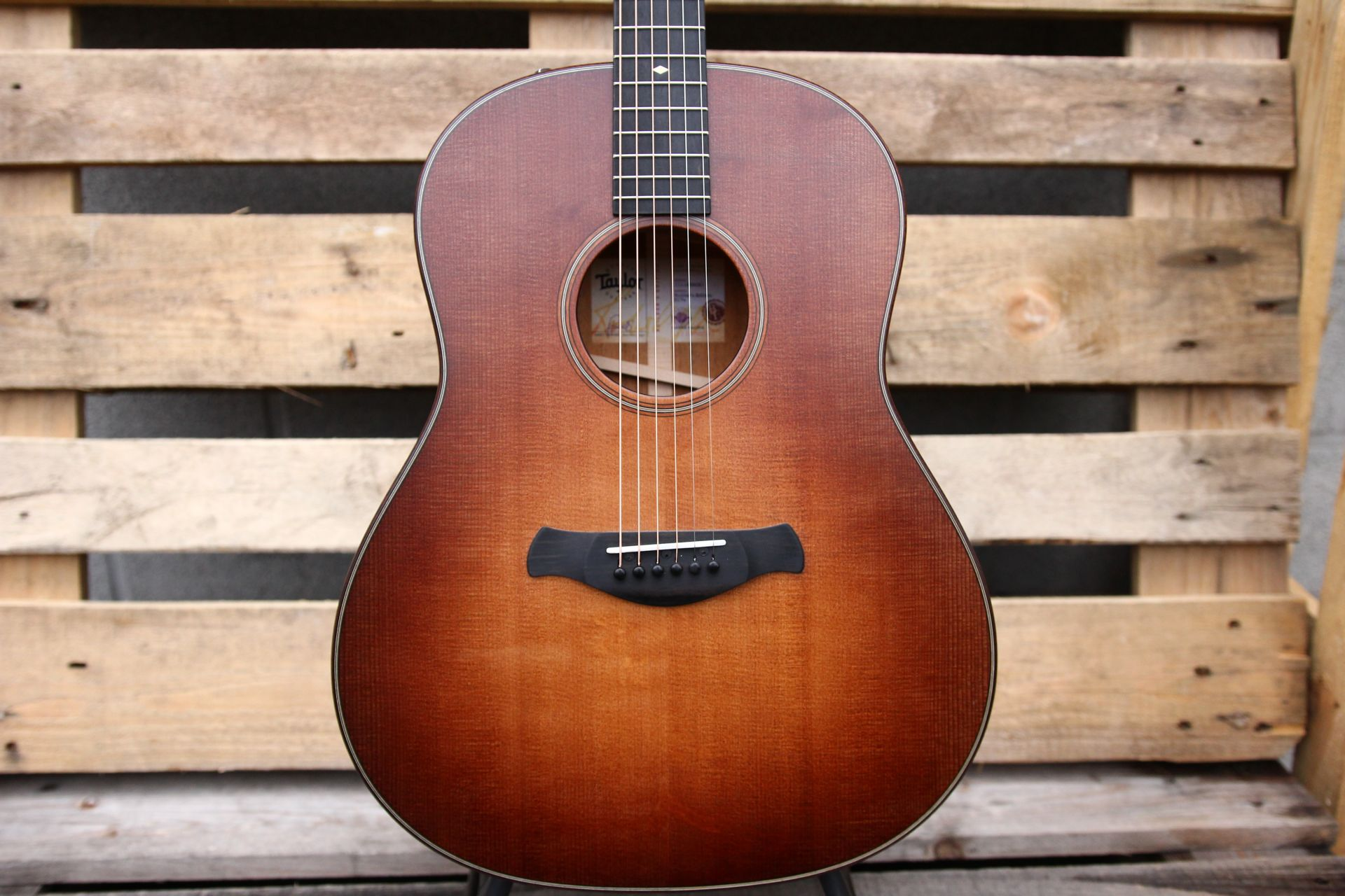TAYLOR -517e- Builders Edition WHB top